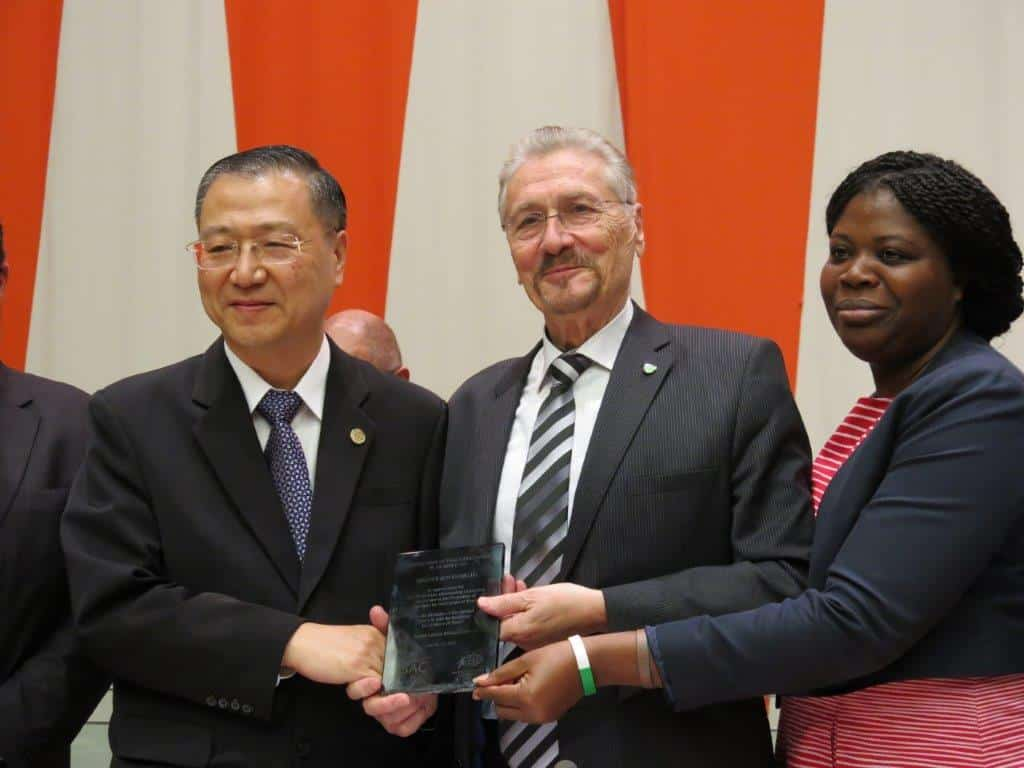 """Master Lu is awarded the title of """"AMBASSADOR OF PEACE EDUCATION"""" by the UN-supported summit."""