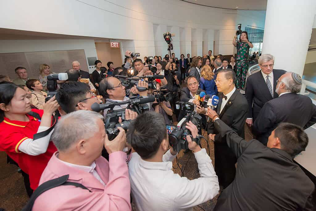 Master Lu's efforts to promote world peace receive international media attention